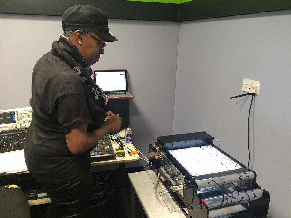Sound artist Ain Bailey working with Mini-Oramics