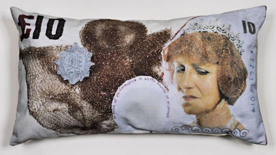 Pillow of a £10 note