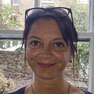 Photo of Dr Kirstin Lewis