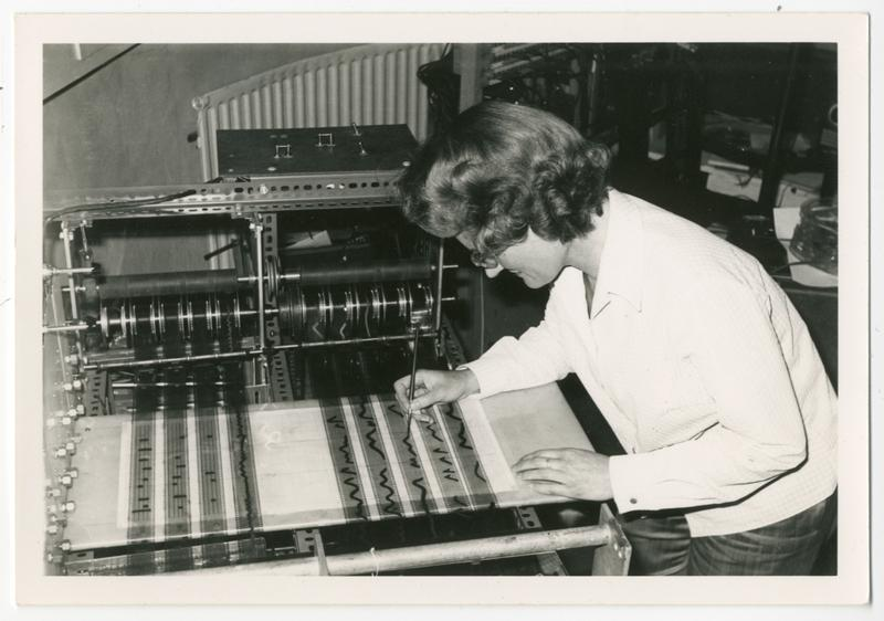 Photograph of Daphne Oram at the Oramics Machine in Tower Folly. Daphne Oram Collection, Special Collections & Archives, Goldsmiths, University of Lon